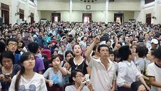 Vì sao Việt Nam ngày càng nhiều 'em bé tuổi 30'?