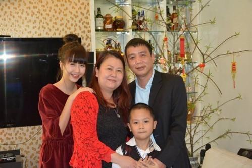 Phản ứng của bố mẹ ruột trước scandal của Quỳnh Anh Shyn