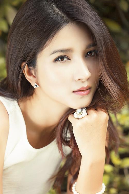 Kim Tuyến yêu 8 năm vẫn chưa muốn cưới