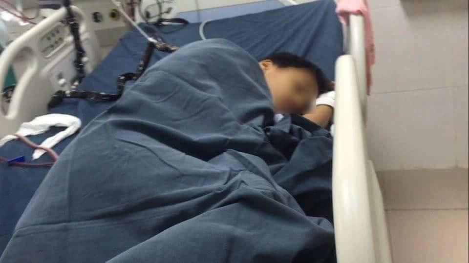 Mẹ sát hại 2 con: Mẹ tử vong, con lớn đang lọc máu