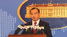 Phản đối Phó chủ tịch Quân ủy TQ ra đá Chữ Thập