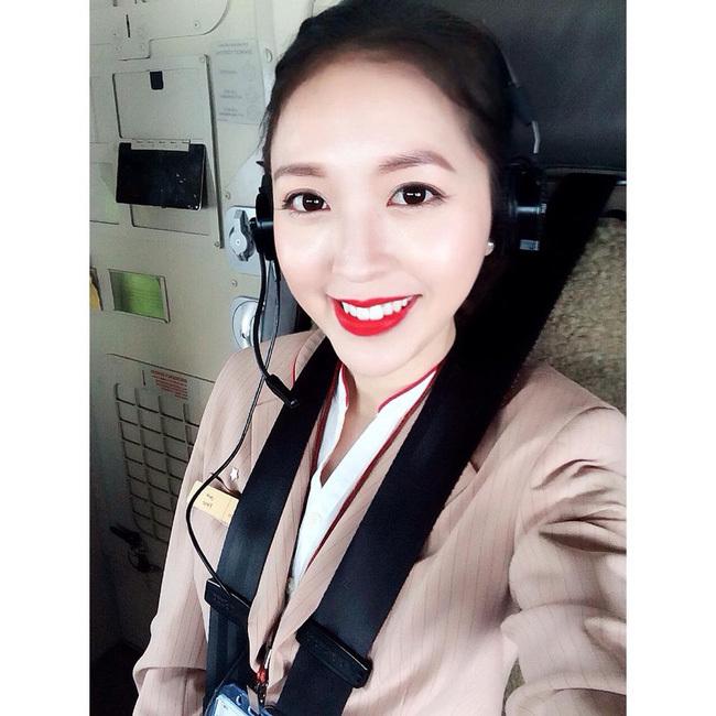 nữ tiếp viên, nữ tiếp viên hàng không, nữ tiếp viên gây sốt