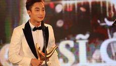 Tùng Dương trao giải Ca sĩ của năm cho Sơn Tùng M-TP