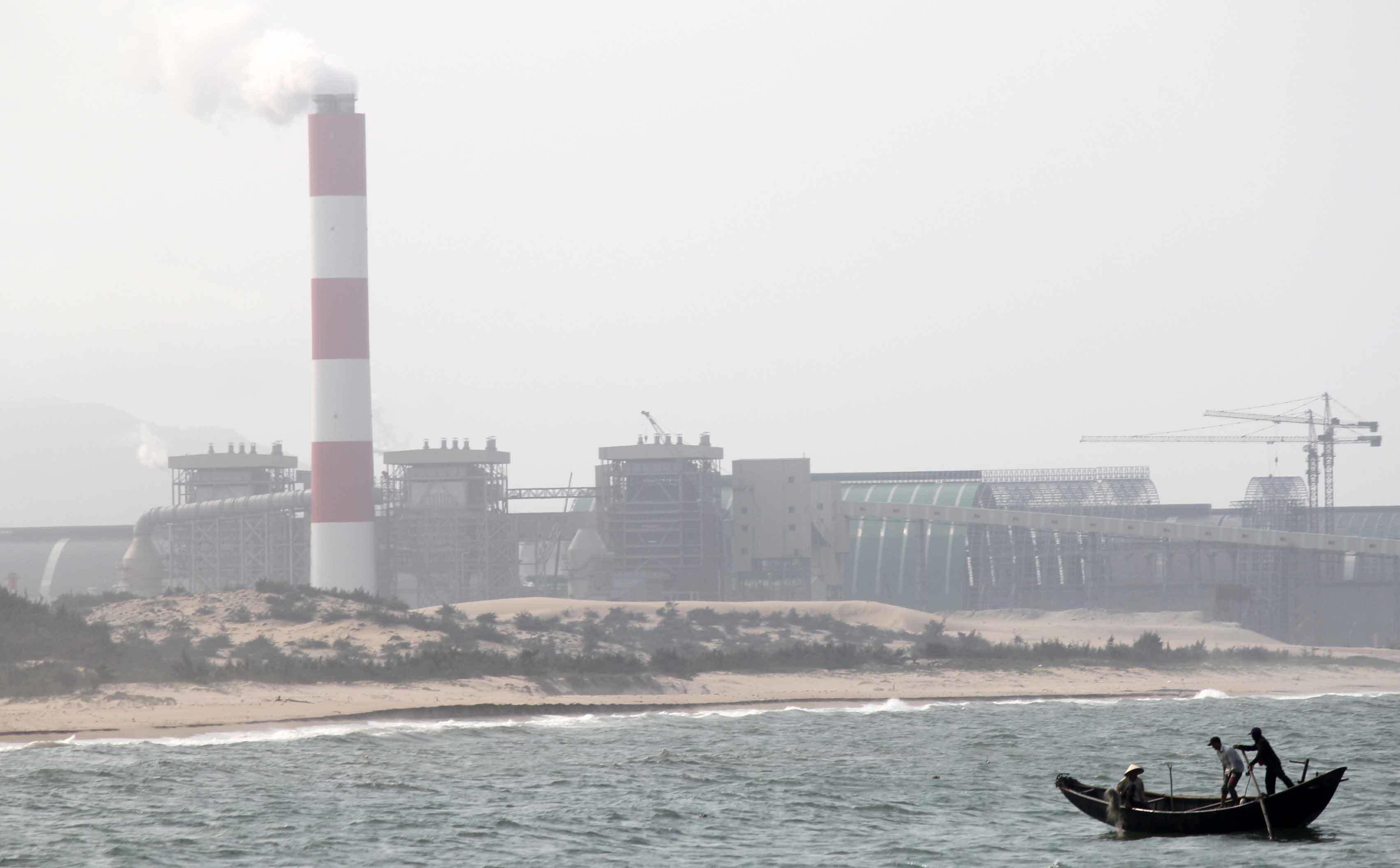 Dân đánh cá ở vùng biển Formosa xả thải