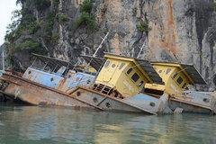 9 con tàu 'ma' trên vịnh Hạ Long: Không thể xử lý được?
