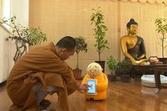 Robot nhà sư gây sốt ở Trung Quốc