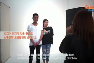 Tiền vệ Xuân Trường bị fan nữ bám chặt ở đất Hàn