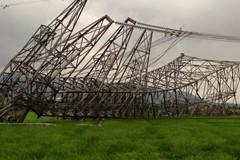 Phó Thủ tướng chỉ đạo tìm nguyên nhân đổ cột điện đường dây 500kV