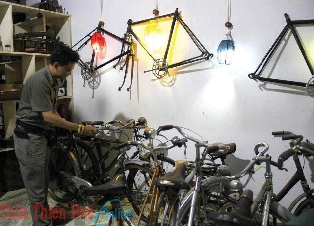Bộ sưu tập xe đạp cổ 'khủng' của chàng trai người Huế