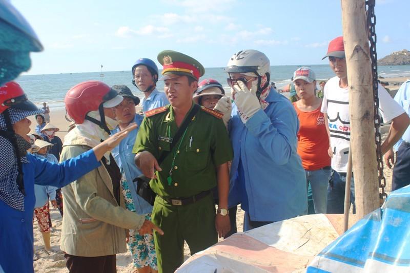 Vũng Tàu thu đồ nấu nướng trên bãi biển, dân phản ứng quyết liệt