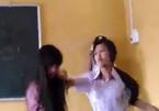Cùng thích bạn nam, hai nữ sinh lớp 10 đánh nhau kịch liệt