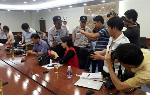 Lãnh đạo Formosa cúi đầu xin lỗi người dân Việt Nam
