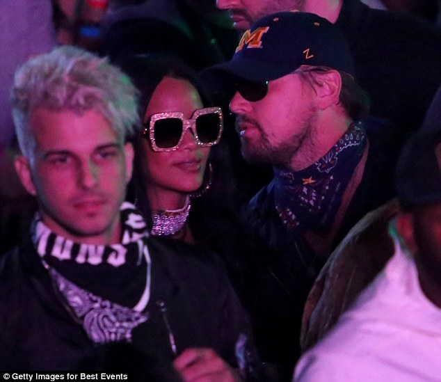 Leonardo DiCaprio bị bắt gặp trên xe gái trẻ rời hộp đêm
