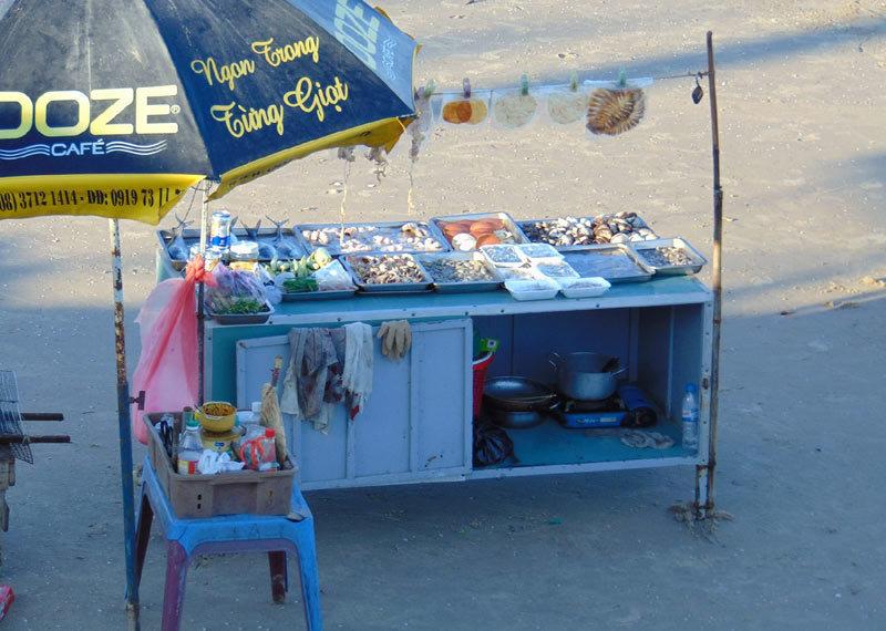 Vì sao Vũng Tàu quyết dẹp cấm ăn nhậu, nấu nướng trên bãi biển?
