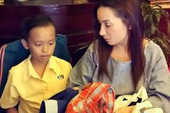 Phi Nhung tài trợ học phí cho cậu bé thi Vietnam Idol Kids