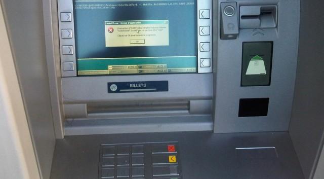 ATM rút tiền hàng ngày không an toàn như bạn nghĩ