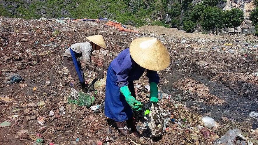 Chuyện cả làng viết đơn xin… nhặt rác