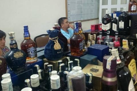 Công nghệ chế biến rượu giả 'siêu tinh vi' ở Việt Nam gây 'sốc'