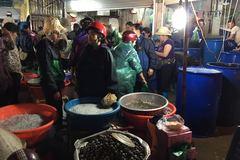 Trời không mưa cũng mặc áo mưa: Bà hàng cá thu 100 triệu/tháng