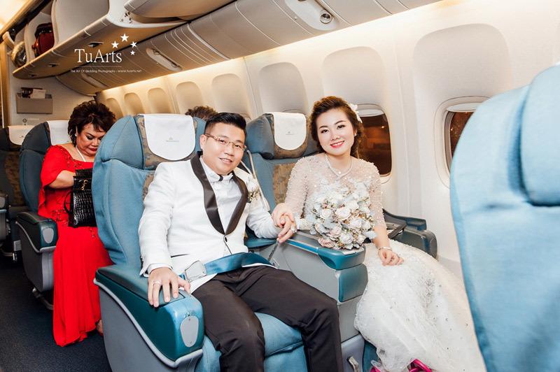 Đám cưới tiền tỷ rước dâu bằng máy bay của cô dâu Nam Định