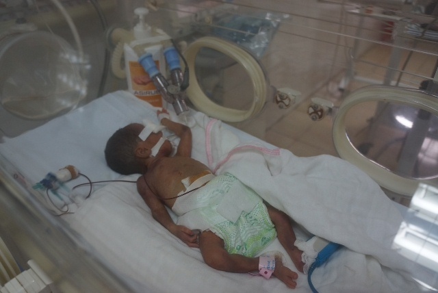 trẻ sơ sinh, thiếu tháng,bệnh viện tắc trách