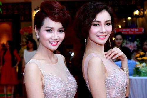 Những người bà con gây bất ngờ của nhiều sao Việt