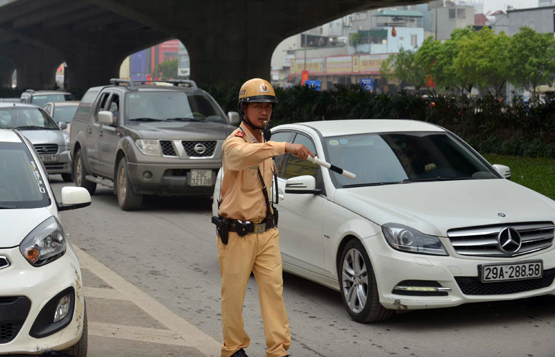 Ùn tắc nghiêm trọng sáng 30/4 ở cửa ngõ Thủ đô