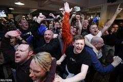 Fan Leicester phát cuồng với món quà vô giá từ Chelsea