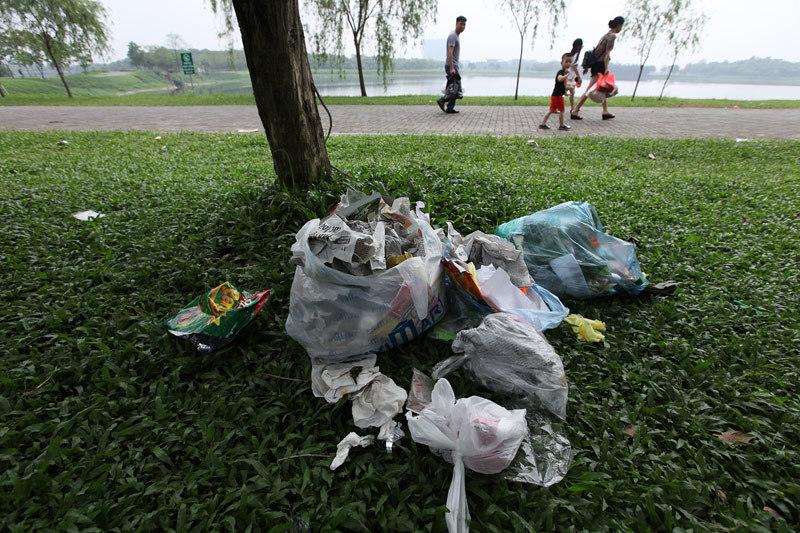 Công viên Yên Sở, xả rác, cắm trại, Hà Nội, Thủ đô