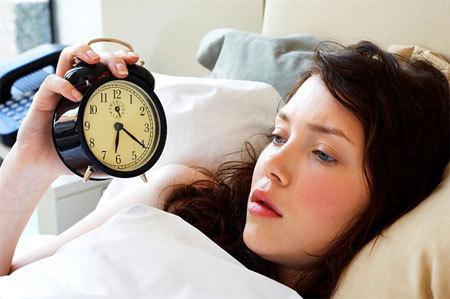 Vì sao lạ nhà lại khó ngủ?
