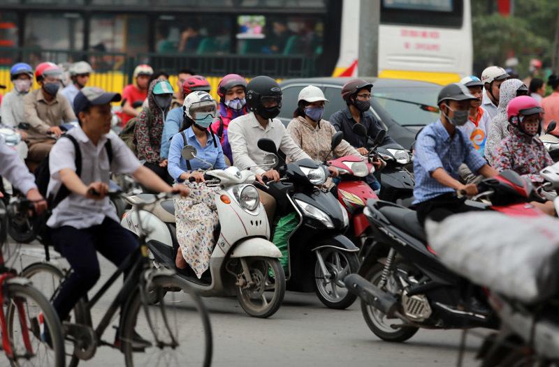 Hết nghỉ lễ, dân đội nắng rời quê sớm vẫn dính tắc đường