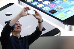 CEO Apple: Bạn không thể sống mà thiếu iPhone 7