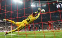 """Sếp Bayern tức tối: """"Chúng tôi thấy như bị lừa..."""""""