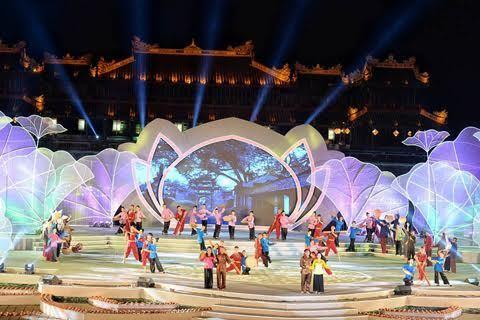Chương trình nghệ thuật đầy sắc màu khép lại Festival Huế 2016