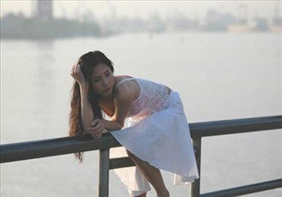Cười lăn lộn vì loạt ảnh tạo dáng 'bá đạo' của Trấn Thành, Thủy Tiên