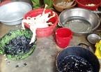 Dùng hóa chất độc hại để vặt lông vịt