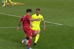 Pha qua người bá đạo của sao Liverpool