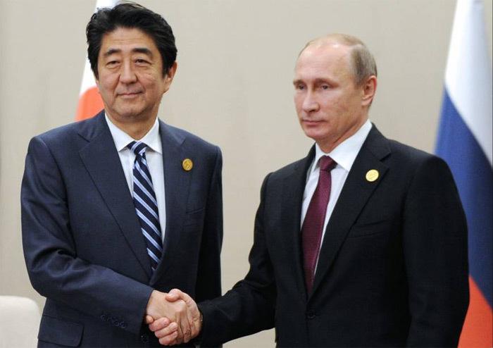 Abe 'phá rào' đến Nga gặp Putin