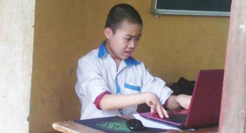 Chuyện nam sinh thi học sinh giỏi khiến giám thị nghẹn ngào