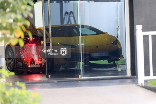 Bắt gặp Cường Đô La lái siêu xe mới tậu nổi bật trên phố