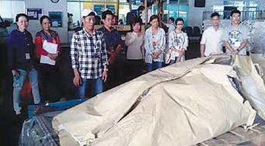 Người Việt, Angola, nước mắt, xuất khẩu lao động, việt kiều, sát hại, cướp bóc, đại sứ,