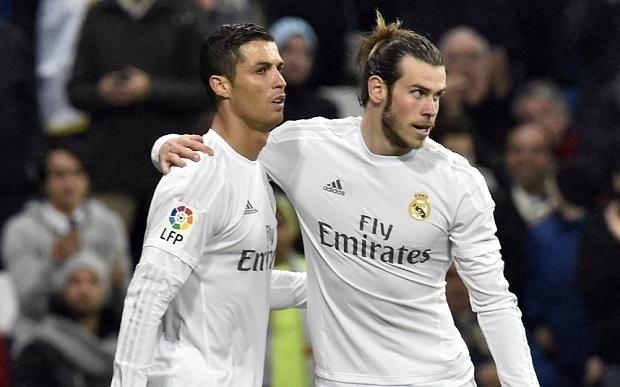 Sóng ngầm ở 'nhà trắng': Bale vuốt mặt Ronaldo