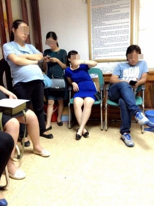 <a target='_blank' href='http://www.phunuvagiadinh.vn/tag/ba-bau'>bà bầu,</a>  chửa vượt mặt, bị tranh ghế