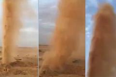 Bí ẩn hố phun bão cát cao vài chục mét giữa sa mạc