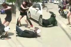 10 clip 'nóng': Giật túi người đẹp, 2 tên cướp no đòn trên phố