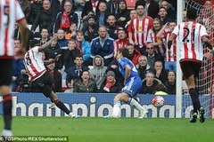 Chelsea thua đau Sunderland sau màn rượt đuổi nghẹt thở