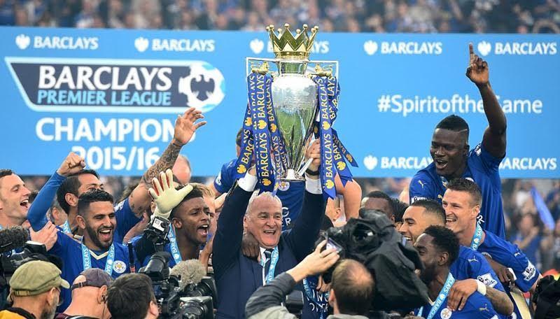 Những khoảnh khắc Leicester say sưa trên đỉnh vinh quang