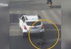 Cậu bé 6 tuổi té vào gầm xe hơi may mắn sống sót
