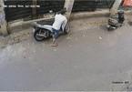 Trộm bịt mặt bẻ khóa xe SH trong 3 giây ở Hà Nội
