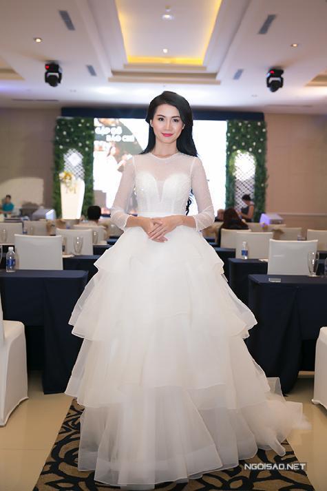 Phạm Hương diện đồ hiệu trăm triệu, Nguyễn Thị Huyền váy trắng tựa nữ thần
